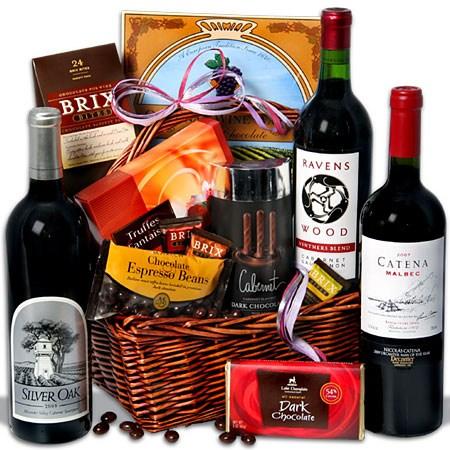 Red_Wine_and_Dark_Chocolate_Gift_Basket