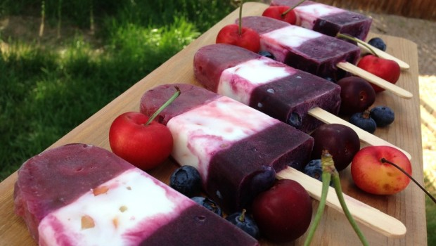 Fresh fruit popsicles, summer treat, recipes, cherries, blueberries, food, healthy living,