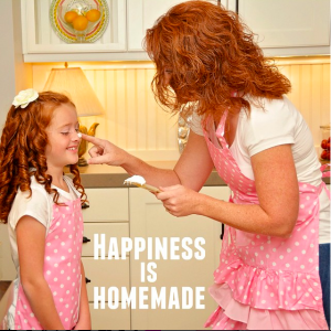 Marilyn Strawberry Shortcake Apron Happiness is homemade
